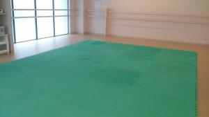 ジョイントマット が新たに 高円寺 貸しスタジオ の 無料備品 として導入